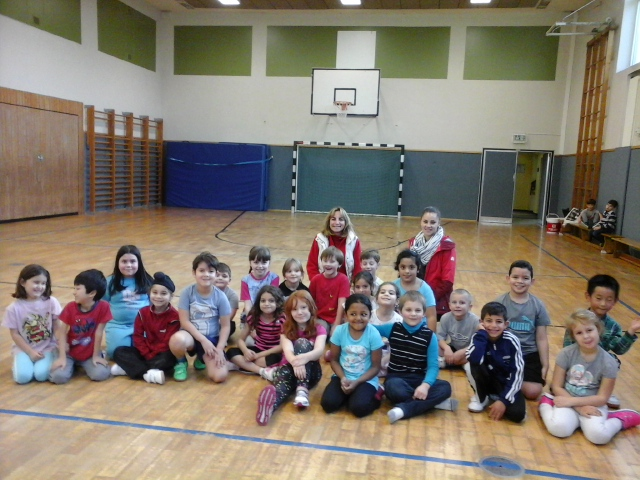 Unsere Klasse mit den Trainerinnen